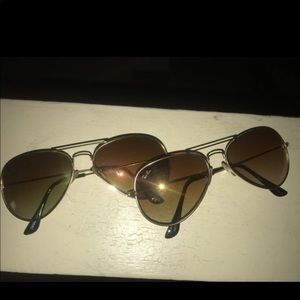 Raybans aviator shades